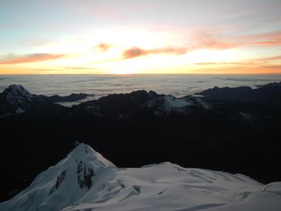 Sonnenaufgang auf dem Huayna Potosi