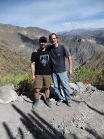 Max und ich vor dem Valle del Colca